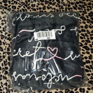 Victoria's secret plush blanket summer 2019